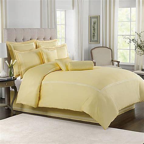 wamsutta 174 baratta stitch comforter set in butter bed