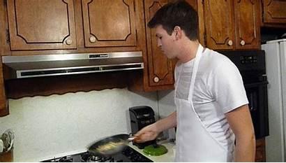 Chef Pan Gifs Flip Christmas Culinary Zakk