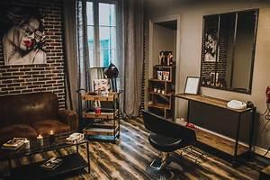 Miroir De Coiffeuse : le miroir salon de coiffure priv nantes ~ Teatrodelosmanantiales.com Idées de Décoration