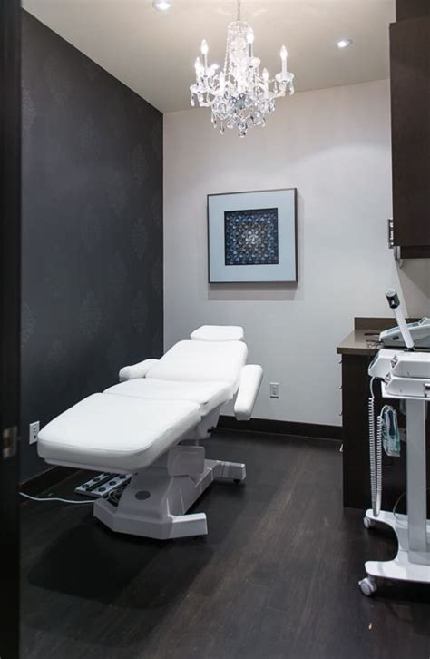 patient room  avenue plastic surgery medical office