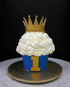 Large Cupcake with Crown – Mother Mousse