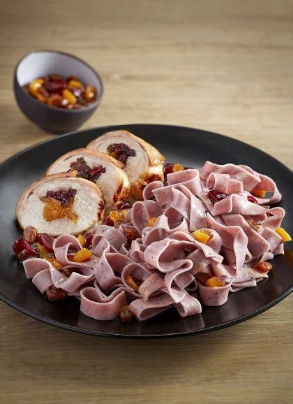 cuisiner un lapin au four taillerins aux myrtilles râble de lapin aux fruits secs