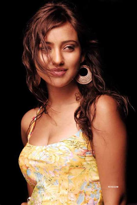 Neha Sharma Unleashed Hd Wallpapers Hira I Love You Why
