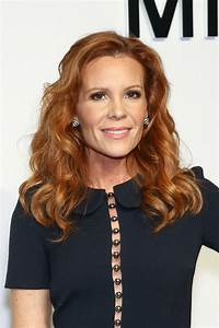 ROBYN LIVELY at... Robyn Lively