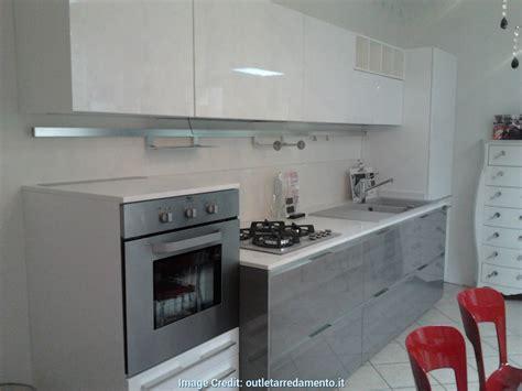 Elegante Cucina 3 Metri Completa Elettrodomestici Indesit