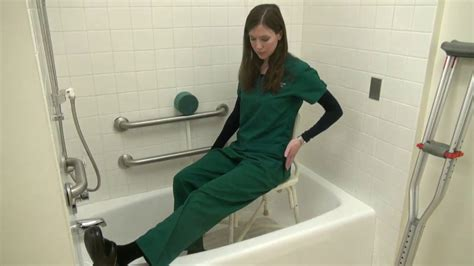 tub bathing after hip or knee surgery - How To Shower After Acl Surgery
