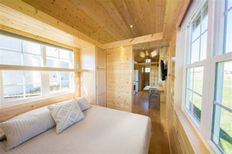 Escape Vintage XL Tiny House   Has Main Floor Bedroom!