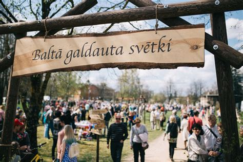 4.maijā aicinām svinēt Baltā galdauta svētkus — Latvija 100