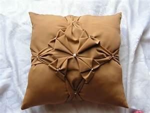 peste 1000 de idei despre tissu d ameublement pe pinterest With tapis champ de fleurs avec canapé cuir jaune moutarde