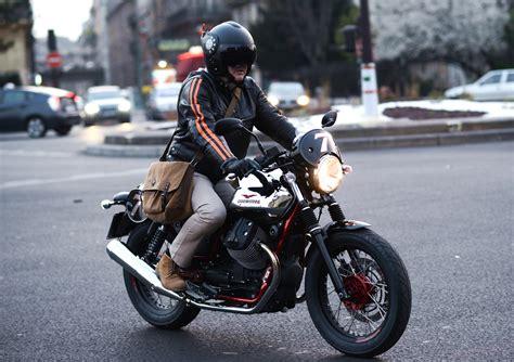Moto Guzzi V7 Ii Racer Hd Photo by Nouvelle V7 Moto Guzzi Version Ii Plus Moderne En