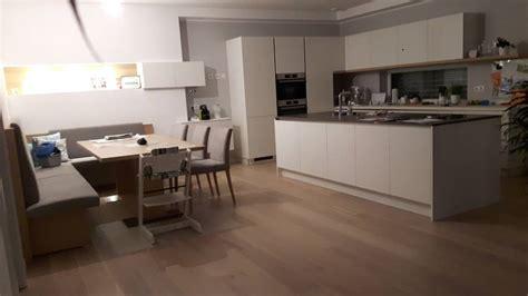 Küche Fliesen Esszimmer Parkett by K 252 Che Fliesen Vs Holzboden Vs Optik Bauforum Auf