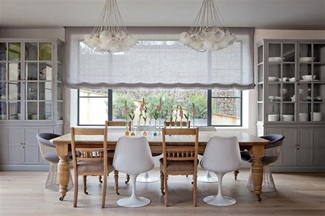 coin cuisine avec banquette la chaise tulipe une icône emblématique du design moderne et industriel design feria
