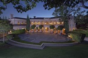 Backyard Decor Ideas - LA Mansion Rentals