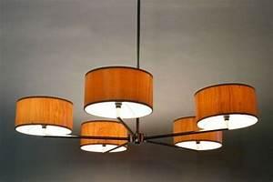 Lustre Bois Design : embellir la salle manger avec lustre design ~ Teatrodelosmanantiales.com Idées de Décoration