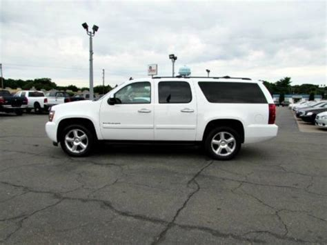 find   chevrolet suburban  ltz nav sunroof