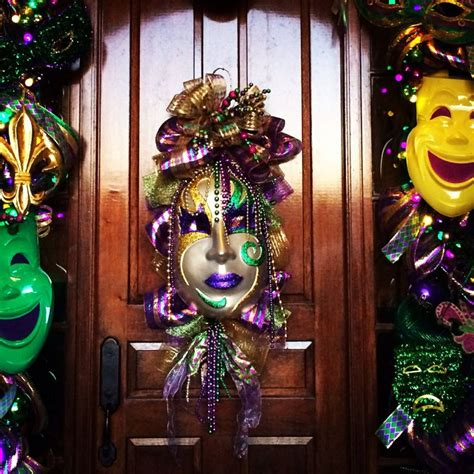 mardi gras door decor party ideas pinterest