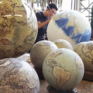 Globemaker – In the intimacy of one of the only factories