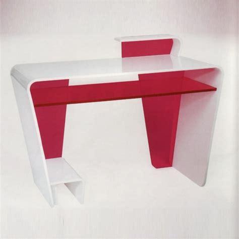 bureau en plexiglas meubles en plexiglas design par les meilleurs cr 233 ateurs