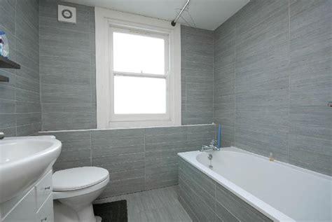 19 Excellent Grey Bathroom Ideas  J Birdny