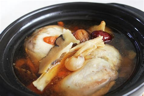 boiling chicken for soup double boiled herbal chicken soup foodelicacy