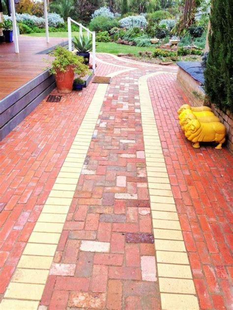 Gartenwege Ein Wichtiger Teil Der Gartenplanung by Gartenwege Pflastern Beispiele Gartenwege Gestalten 22