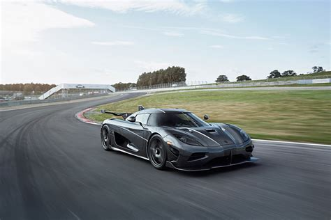 The 7 Fastest Cars in the World Right Now   Improb