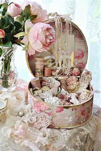 Shabby Chic Stühle : 660 best images about rose print boxes and tins on pinterest ~ Orissabook.com Haus und Dekorationen