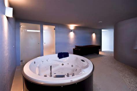 spa jacuzzi interior design ideas