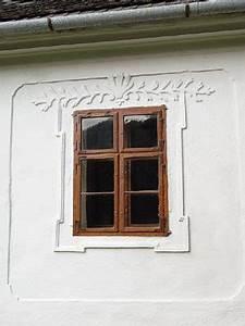 Orámování oken na fasádě