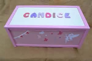 coffre 224 jouets mobilier enfant bois personnalisable avec pr 233 nom autres par le ptit cabanon