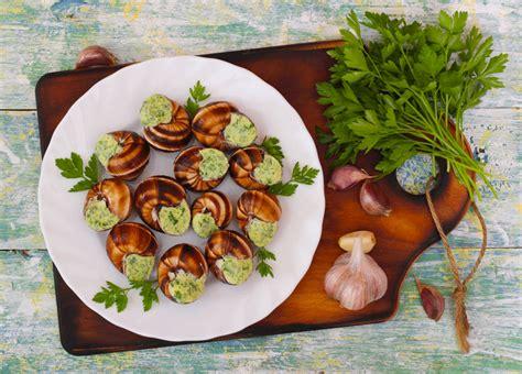 cuisiner les escargots les escargots 3 façons de les cuisiner à la cloche d
