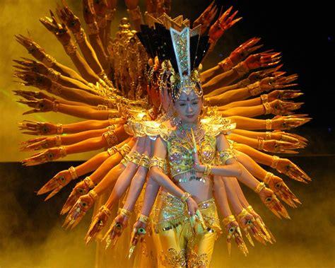 thousand hand bodhisattva chinese dance