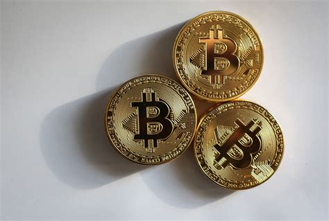 Since then, bitcoin has seen large fluctuations in its value, most recently. How Much Is One Bitcoin Worth In Us Dollars - Currency Exchange Rates