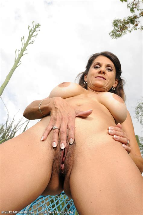 MILF Tori Baker Pussy Flicking At The Backyard MILF Fox
