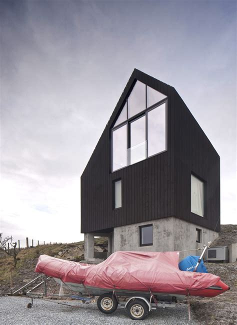 The house in Scotland from the Raw Architecture Workshop