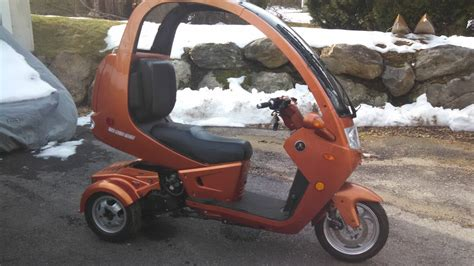 2012 Automoto 3 Wheel Enclosed Gass 150cc Scooter Trike