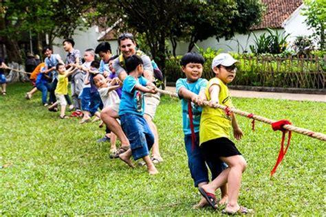 museum  ethnology  host childrens games  se