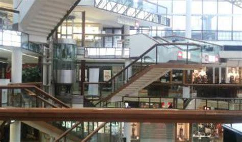 centro commerciale cinecitt 224 due negozi orari