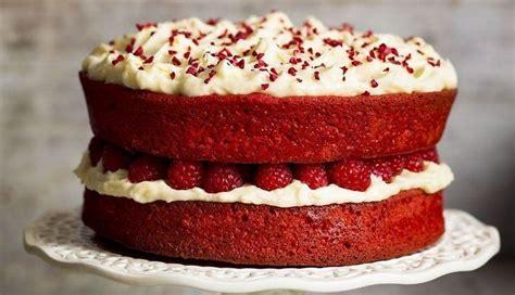 Kārdinoši sārtā biešu un baltās šokolādes torte | Recipe ...