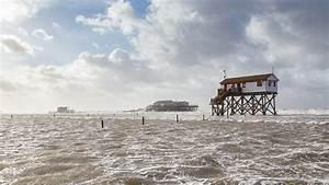 Wohnungen St Peter Ording : sturmflut am strand von st peter ording strandeins ~ Yasmunasinghe.com Haus und Dekorationen