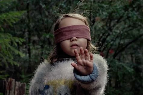 trailer  post apocalyptic thriller bird box