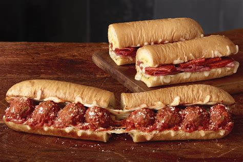 Subway Launches New Cheesy Garlic Bread  20181205