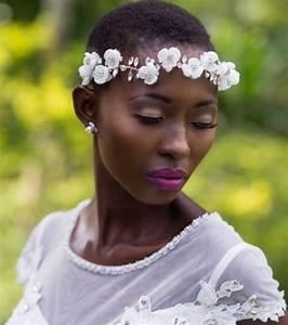 Couronne Fleur Cheveux Mariage : photo cheveux court avec une couronne de fleurs ~ Melissatoandfro.com Idées de Décoration