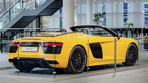 Yellow and Carbon Audi R8 Spyder Arrives at Audi Forum ...