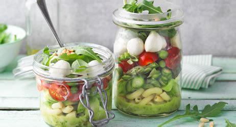 salat im glas praktische rezepte fuers buero apotheken