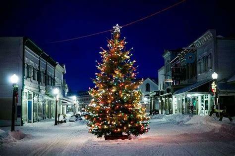 top  christmas towns  michigan