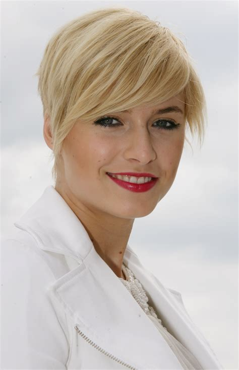 lena gercke short hairstyles celebrity hair cuts