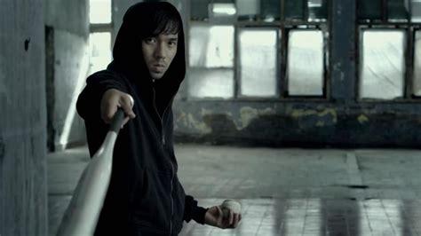 raid  painful baseball bat man fight clip geektyrant