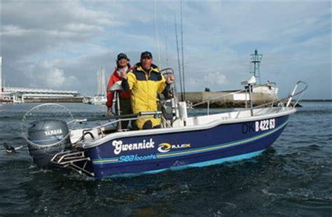 support siege bateau vols de bateau pneumatique et semi rigide et de moteurs