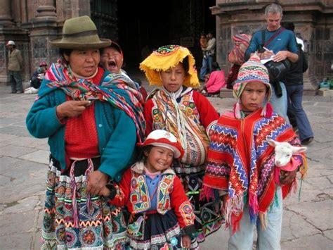 Peruvian Family   Photo